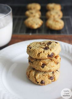 Paleo Chocolate Chip Cookies | Lexiscleankitchen.com HACER!!!!!!!!!