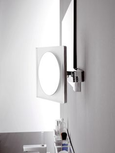 Scheer- en cosmeticaspiegel // emco Magnifying Mirror, Wall Lights, Bath, Home Decor, Ideas, Mirrors, Appliques, Bathing, Decoration Home