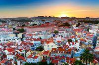 Excursão a pé para grupos pequenos ao pôr do sol em Lisboa com apresentação de Fado #viagem #turismo