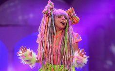 artRAVE+Gaga.png (625×385)
