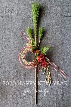 Christmas Flower Arrangements, Floral Arrangements, Bunch Of Flowers, Dried Flowers, Christmas Deco, Christmas Wreaths, Japanese New Year, New Years Decorations, Plant Design