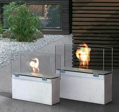 Attractive Conmoto Muro Is Modern, Clean Contemporary Outdoor Fireplace Designed By  Sebastian David Buscher From Glass