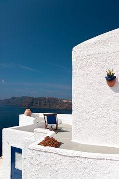 Santorini....the spot to be!