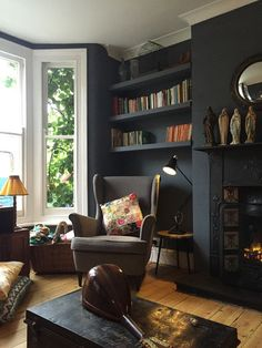 Stunning 44 Enchanting Victorian Living Room Design Ideas For The Comfort Your Guests. Dark Living Rooms, New Living Room, Interior Design Living Room, Home And Living, Living Room Designs, Alcove Ideas Living Room, Room Ideas, Kitchen Interior, Lounge Design