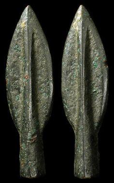 The Ancient World Ancient Greek arrowheads Greek Artifacts, Historical Artifacts, Ancient Artifacts, Ancient Greek Art, Ancient Greece, Greek History, Ancient History, Roman Armor, Greek Warrior