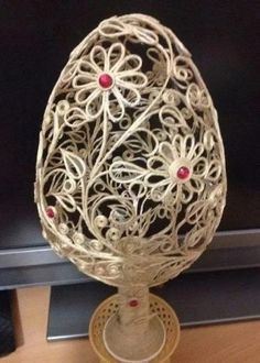 Jute Crafts, Diy Crafts, Diy Flowers, Flower Diy, Pressed Flower Art, Quilling, Decorative Bowls, Knit Crochet, Easter