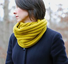 wurm by Katharina Nopp, also can be made into a hat, free pattern 5 ply