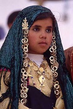 Takrouna, #Tunisia #Tunisie Tunisian girl in Traditional clothing!
