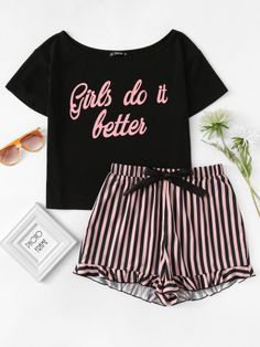 Letter Print Top & Striped Shorts Pajama Set Brief drucken Top & gestreifte Shorts Pyjama Set Teenage Outfits, Lazy Outfits, Teen Fashion Outfits, Fashion Mode, Night Outfits, Girl Outfits, Summer Outfits, Cute Outfits, Outfit Night