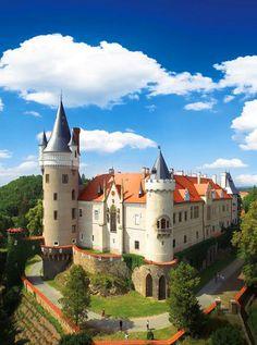 Žleby castle (Central Bohemia), Czechia #castle #romantic #chateau #travel #Czechia #VisitCzechia