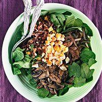 Spinach salad w/ warm bacon dressing