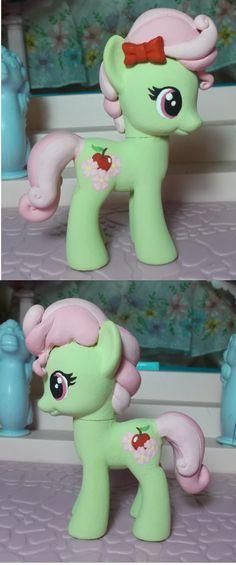 My Little pony custom Florina by SanadaOokmai.deviantart.com on @DeviantArt