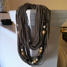 how to make a t-shirt scarf | Things to make / T-shirt scarf with beads!