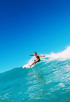 Malia Manuel's sunshine slide