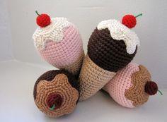 virkatavvicky - glass i stora lass Crochet Food, Crochet Dolls, Knit Crochet, Christmas Crochet Patterns, Play Food, Textiles, Some Ideas, Handmade Toys, Diy Tutorial