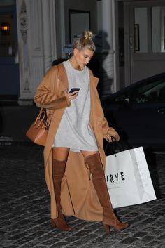 Hailey Baldwin wearing Givenchy Antigona Small Bag in Caramel