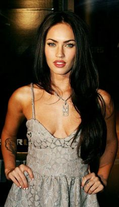 Megan Fox Measurements – What Are The Facts And Figures About Her? Body Shape Of The Body Of Megan Fox In the Megan Fox measurements, the body shape of the Megan Fox Hot, Megan Fox Style, Megan Denise Fox, Estilo Megan Fox, Most Beautiful Women, Beautiful People, Megan Fox Pictures, Hippie Look, Celebs