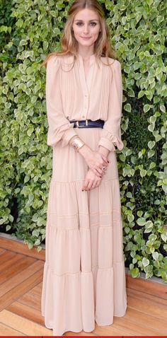 Olivia Palermo in boho chic maxi dress / gown. women's fashion and style. Moda Fashion, Womens Fashion, Business Mode, Olivia Palermo Style, Olivia Palermo Outfit, Mode Hijab, Looks Style, Mode Inspiration, Dress To Impress
