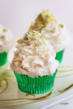 Adorable margarita cupcakes for Cinco de Mayo!