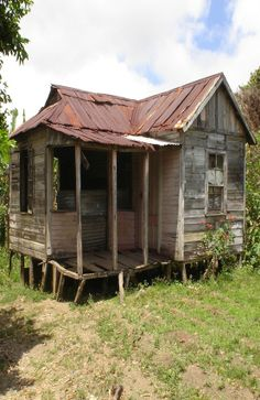 All this needs is aluminum foil on the windows, and it's Cass and Roland's shack!