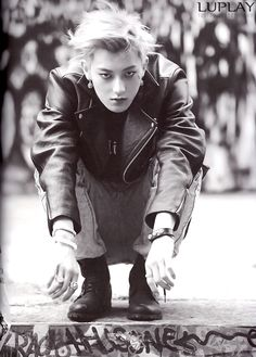 [ TAO ] - Die Jungs Photobook I Love this photo soo much. He looks so... I just dont know