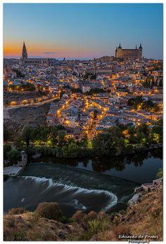 Entardecer em Toledo, cidade da provincia de mesmo nome, na Comunidade Autonoma de Castilla La Mancha, Espanha.