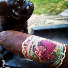 #NowSmoking Flor de las Antillas by #myfathercigars #cigar #cigarporn #aficionado #cigarreview www.RobbyRasReviews.com
