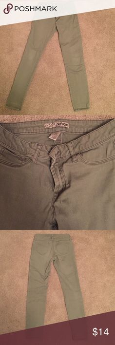 "Refuge Green Jeggings Skinny jeans or ""Jeggings"" inseam is 28"". Stretchy and so comfy. refuge Jeans Skinny"
