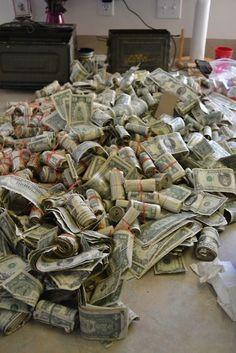 Cash Money, Money Bags, Big Money, How To Get Money, Make Money Online, Online Earning, Money On My Mind, Money Stacks, Life Goals