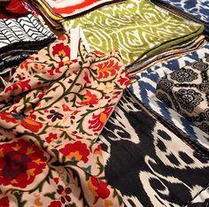 """""""Misture, faça uma bagunça fashion! Com tecidos, cores, texturas e estampas. É legal brincar com tudo isso!"""""""