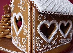Gingerbread House Parties, Christmas Gingerbread House, Gingerbread Houses, Gingerbread Cookies, Christmas Cookies, Ginger House, Pak Choi, Fast Food, Fabric Necklace
