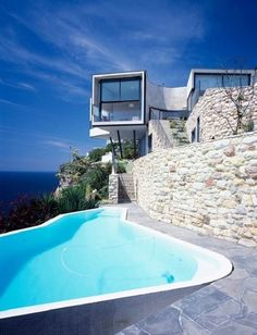 Cliff House Architecture Inspired by Modern Picasso Art - and nice pool! Amazing Architecture, Interior Architecture, Contemporary Architecture, Contemporary Style, Contemporary Houses, Architecture Panel, Futuristic Architecture, Sustainable Architecture, Residential Architecture