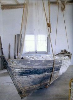 Amazing 42 Original And Creative Bed Designs : 42 Creative Bed Designs With White Wall Wooden Beams And Hanging Ship Bed Design Pillow Blank...