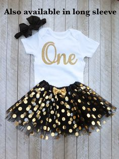 Black and gold first birthday outfit Black and gold tutu One year old outfit Black and gold birthday outfit Baby girl first birthday by SweetPeaCharlies on Etsy Gold First Birthday Outfit, 1st Birthday Photoshoot, Baby Girl First Birthday, Leopard Birthday, First Birthday Pictures, Birthday Ideas, Birthday Parties, Gold Tutu, Black Baby Girls