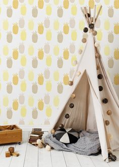 Pineapple wall paper by Rina Donnersmarck  #Pineapple #pattern #wallpaper #wallmural #homedecor #kidsroom #interiordesign  #tapet