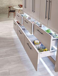 Home Decor Kitchen, Kitchen Interior, New Kitchen, Home Kitchens, Design Kitchen, 1950s Kitchen, Updated Kitchen, Kitchen Furniture, Furniture Design