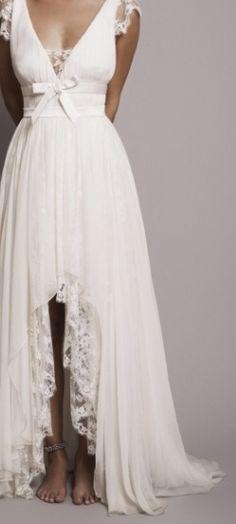 robe de mariée courte devant, dentelle, bohème, printanière, champêtre