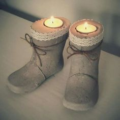 Use childrens old rubberboots as model to make these beton boots for candles. Cement Art, Concrete Cement, Concrete Crafts, Concrete Projects, Concrete Design, Diy Projects, Concrete Boots, Plantador Vertical, Diy Luminaire
