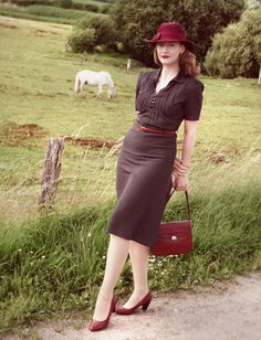 Lilly Jarlsson 1940s Style. classic and beautiful red and brown.