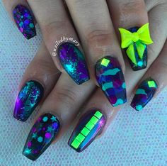Whether you're welcoming home a soldier from battle or just dig the camo style, we think you're going to love these camouflage nail designs. Camouflage Nails, Camo Nails, Red Nails, Hair And Nails, Nail Designs Spring, Cute Nail Designs, French Nails, Black Chrome Nails, Black And White Nail Designs