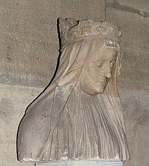 """Marie d'Anjou.- 94) L'ABBAYE DES CHATELLIERS: ... ce clocher vers 1800. Son corps fut enterré à l'abbaye de St-Denis auprès de celui de Charles VII (décédé en 1461). On y voit encore aujourd'hui un fragment de son gisant cf illustrations ci-dessus). Ses entrailles furent placées dans un coffre de cuivre doré, dans le choeur de l'abbatiale des Châtelliers et Louis XI conféra au monastère le titre honorifique d' """"abbaye royale"""". Le marbre de la basilique St-Denis (dépôt du musée du…"""