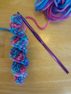 How To Crochet A Curlicue Tutorial - (fiberfluxblog)