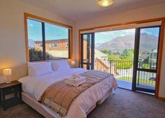 Queenstown Holiday Home Rental - 4 Bedroom, 2.0 Bath, Sleeps 10