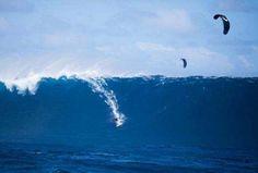 big wave kitesurf