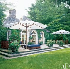 Picture perfect patio and side yard at Ralph Lauren's Bedford, NY estate - lik. Architectural Digest, Ralph Lauren House, Bedford New York, Porches, Outdoor Spaces, Outdoor Living, Outdoor Seating, Patio Design, House Design