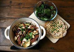Vegetarian warm halloumi salad Greek Recipes, Vegan Recipes, Halloumi Salad, Vegetarian, Warm, Chicken, Cooking, Kitchen, Blog