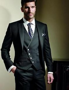 Black Formal Three Piece Suit For Men is part of Wedding suits men - Dress yourself like gentalman this Mens custome made suit is one of the formal attire we offer Mode Masculine, Three Piece Suit For Man, Style Costume Homme, Groomsmen Tuxedos, Groom Suits, Mode Costume, Groom Tuxedo, Formal Suits, Formal Wear