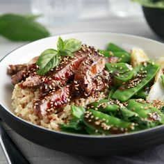 This Sesame Beef with Asian Greens is a delicious and healthy Asian inspired dish and comes from the 28 Day Weight Loss Challenge. Healthy Mummy Recipes, Asian Recipes, Chinese Recipes, Snacks Recipes, Veg Recipes, Potato Recipes, Drink Recipes, Vegetarian Recipes, Weight Loss Meals