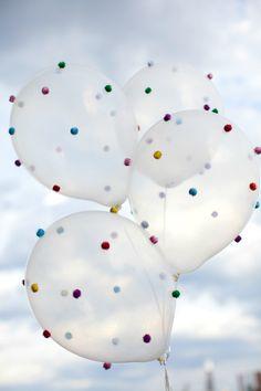 DIY Pom-Pom Balloons. I want 'em! I want 'em!!
