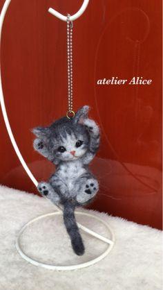 Cute! Little Needle felted kitten by Atelier Alice from Japan